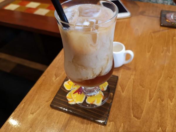 甘味処万丸Cafeのミルクティー